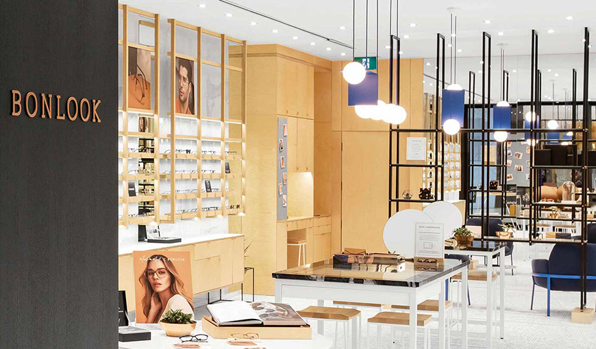 The inside of an empty Bonlook glasses store - Absolunet eCommerce Trends